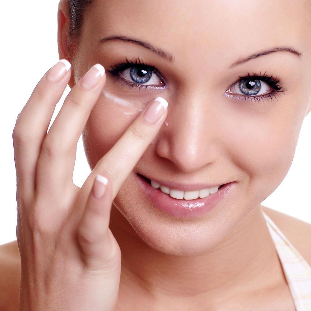 Масла для ухода за кожей вокруг глаз