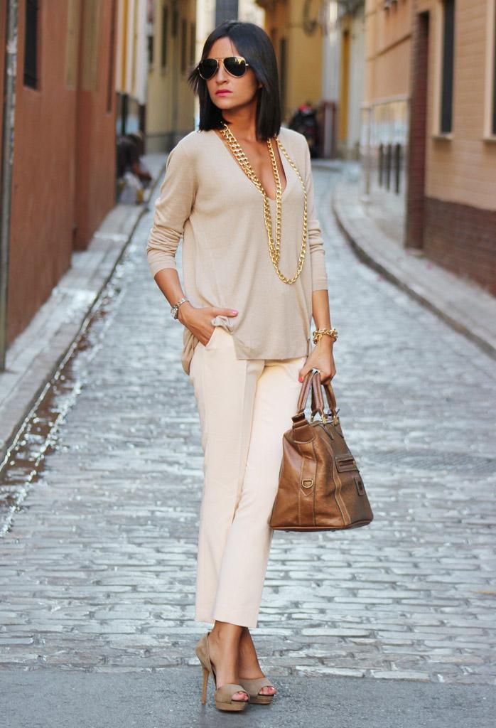 Модная стильная женщина