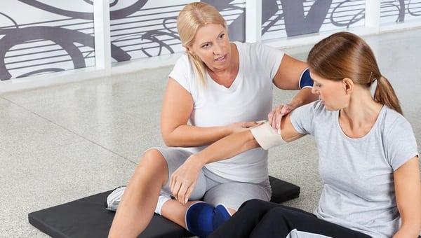 Как не травмироваться во время занятий фитнесом