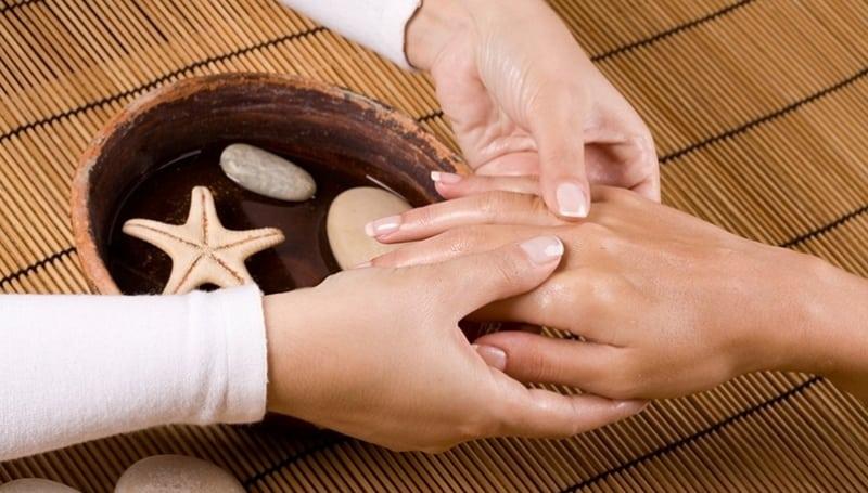 Чудо-средство полностью разгладит кожу рук за 2 процедуры!