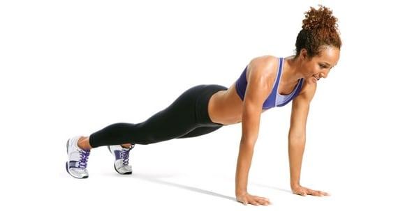 Она выполняла одно это упражнение каждый день! Через месяц похудела на 2 размера одежды