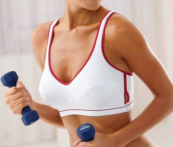 Упражнения для груди: работаем над красивым бюстом