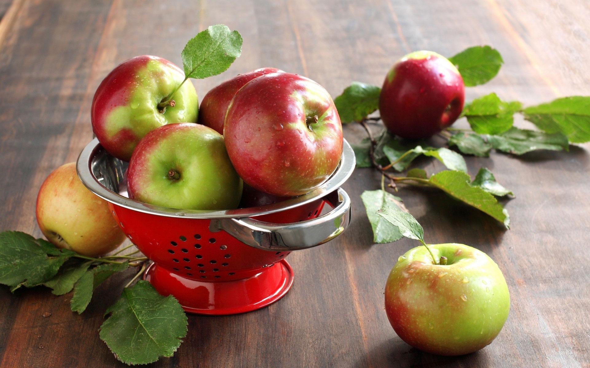 Чем полезны яблоки для нашего организма?