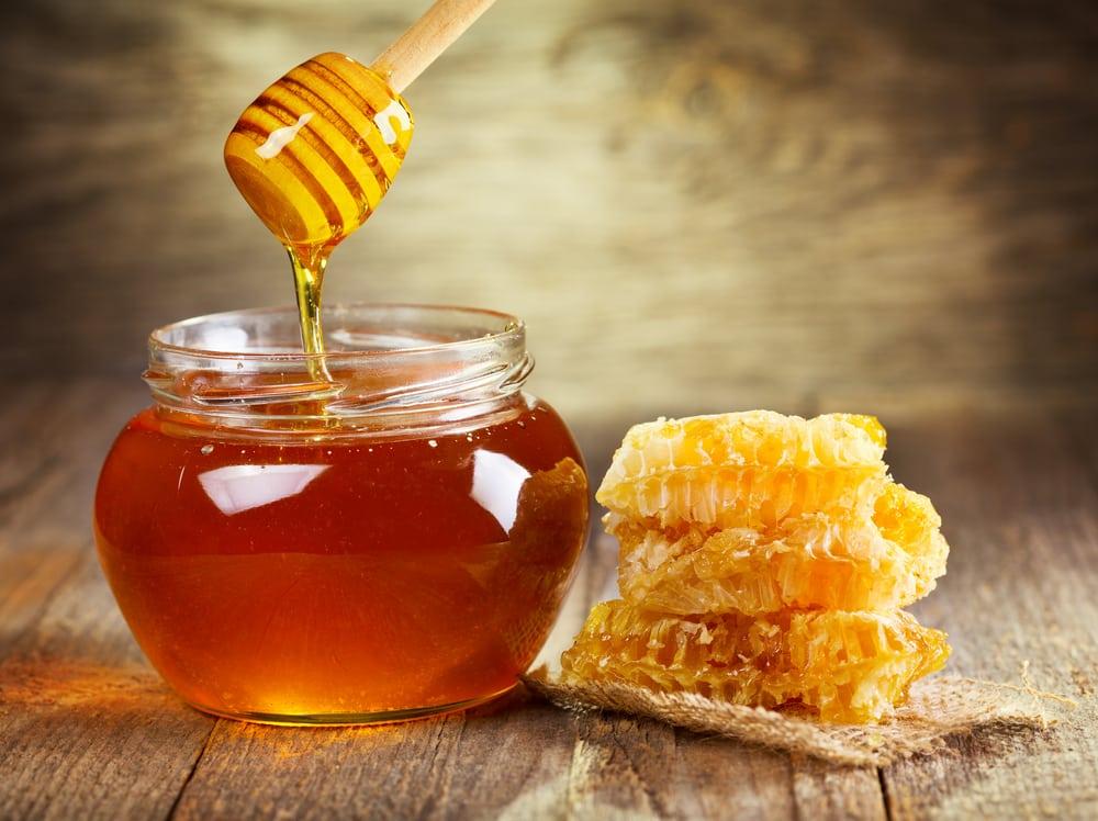 Как проверить мёд на натуральность самостоятельно?