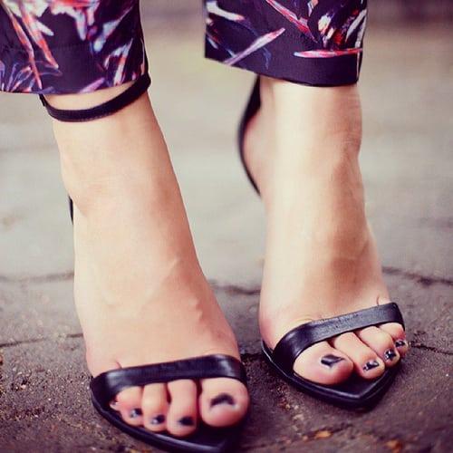 Как избавить обувь от неприятного запаха?