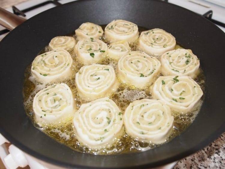 Вегетарианские рулеты из картошки