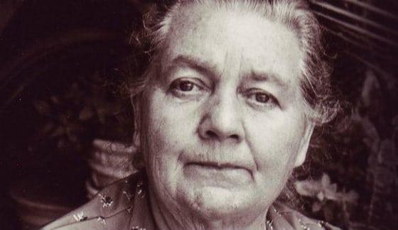 Эта великая женщина 60 лет назад нашла лекарство от рака. Но его утаивают от нас...