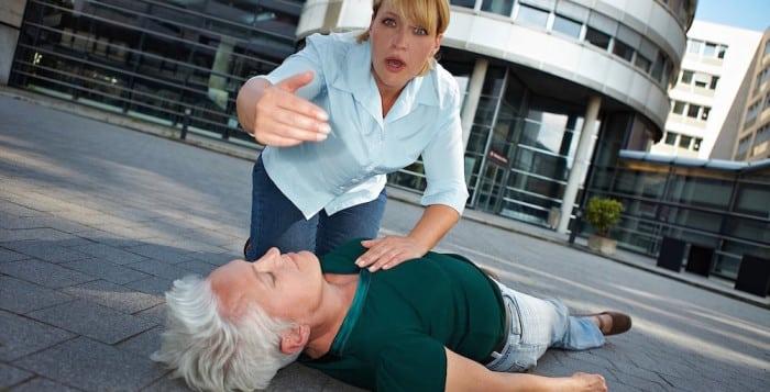 Как спасти человека при инсульте? Советы, которые спасут жизнь!