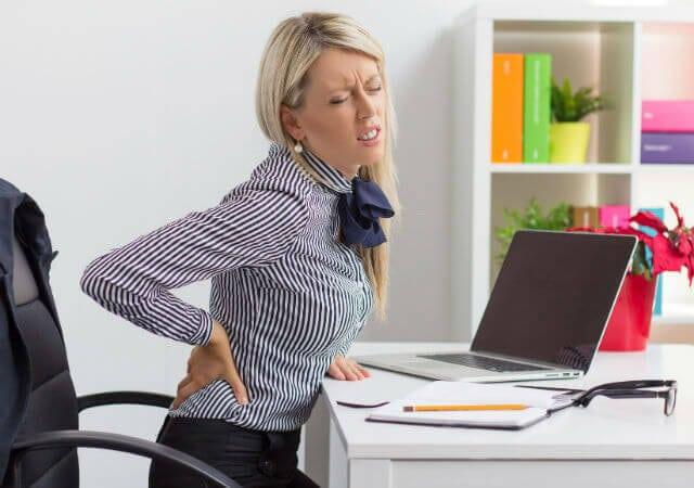 Как убрать межпозвоночную грыжу БЕЗ ХИРУРГИЧЕСКОГО вмешательства? Эти упражнения вам 100% помогут!