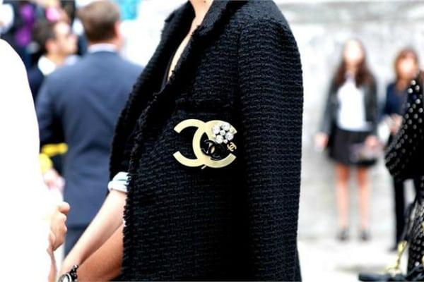 Стиль Шанель - идеально для женщин 40+. Будет в моде вне времени!