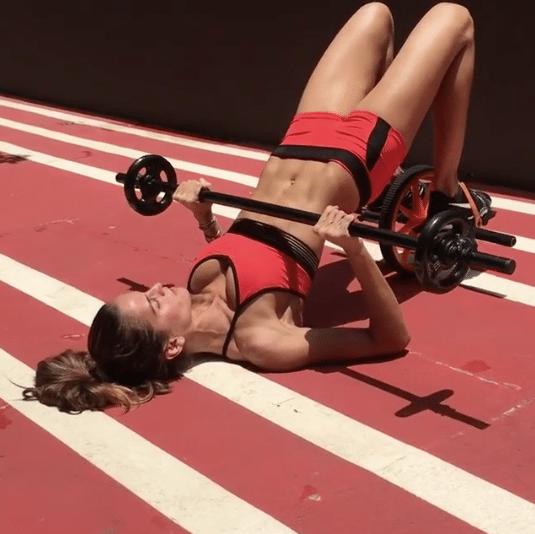 Топ-9 лучших упражнений, чтобы ваша попа была готова к лету!