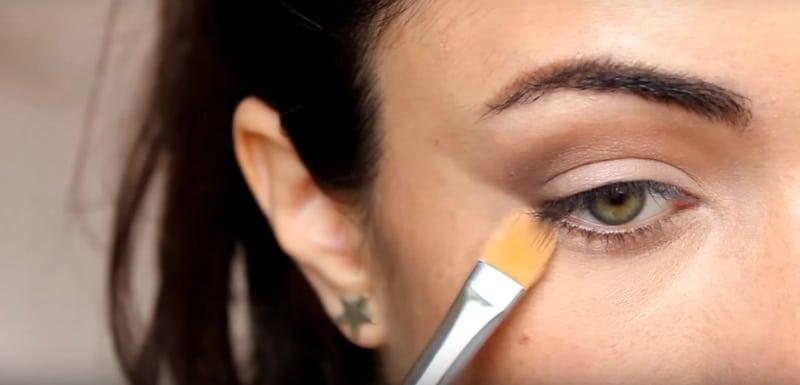 Ваши глаза будут выглядеть моложе благодаря такому макияжу