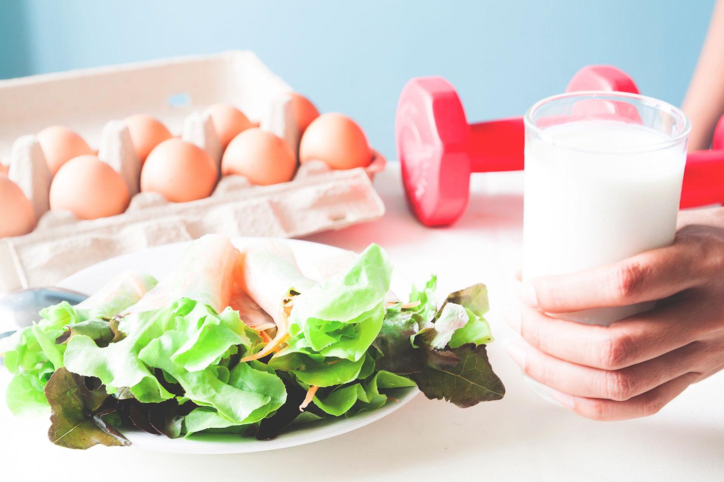 Когда лучше пить кефир для похудения и роста мышц?