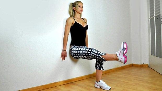 Упражнение «стульчик у стены» для похудения, укрепления ног и ягодиц