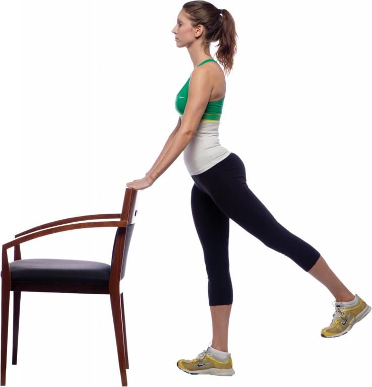 Комплекс упражнений от «ушек» на бедрах