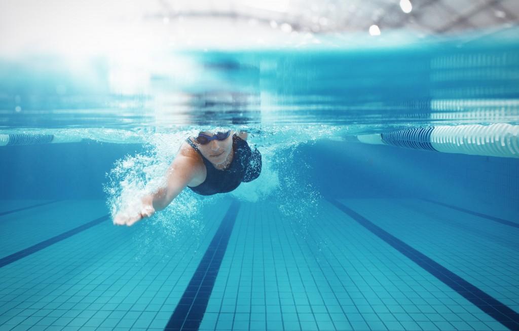 Как плавать в бассейне и сколько, чтобы похудеть?