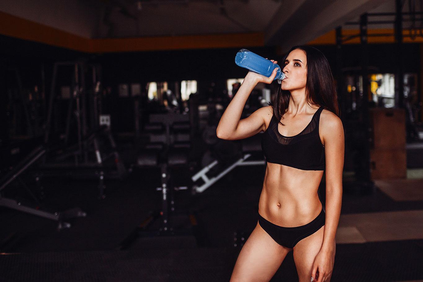 Как правильно пить воду для похудения в течении дня и сколько?