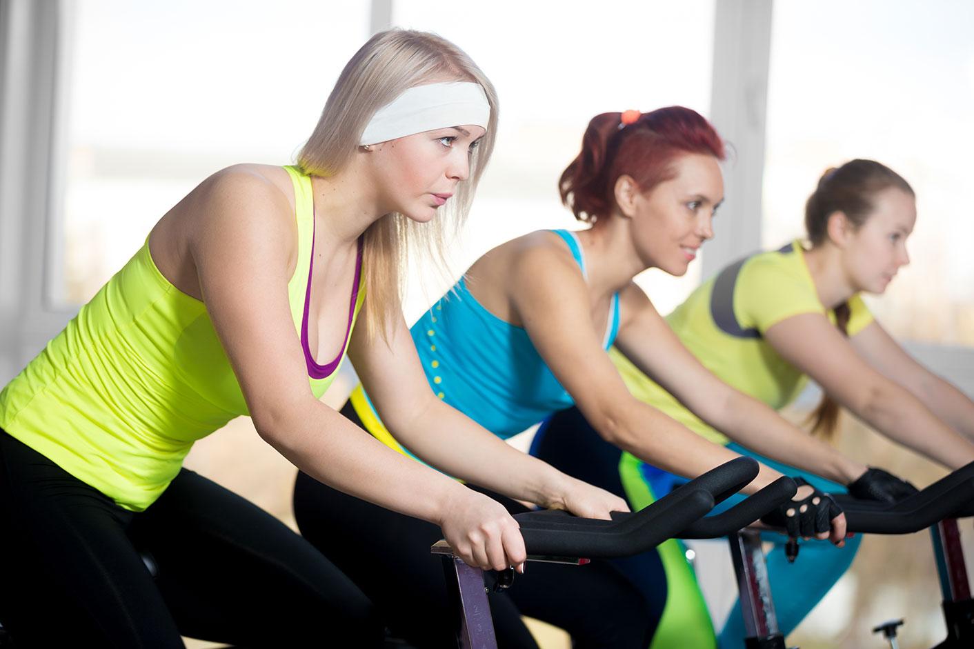 Занятия на велотренажере для похудения живота и ног дома