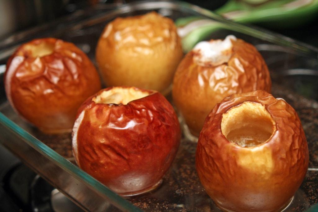 Сколько калорий в различных сортах и видах яблок?